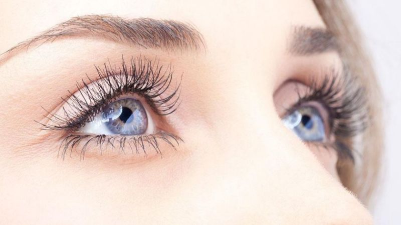 Longer Eyelashes with proper Growth Serum