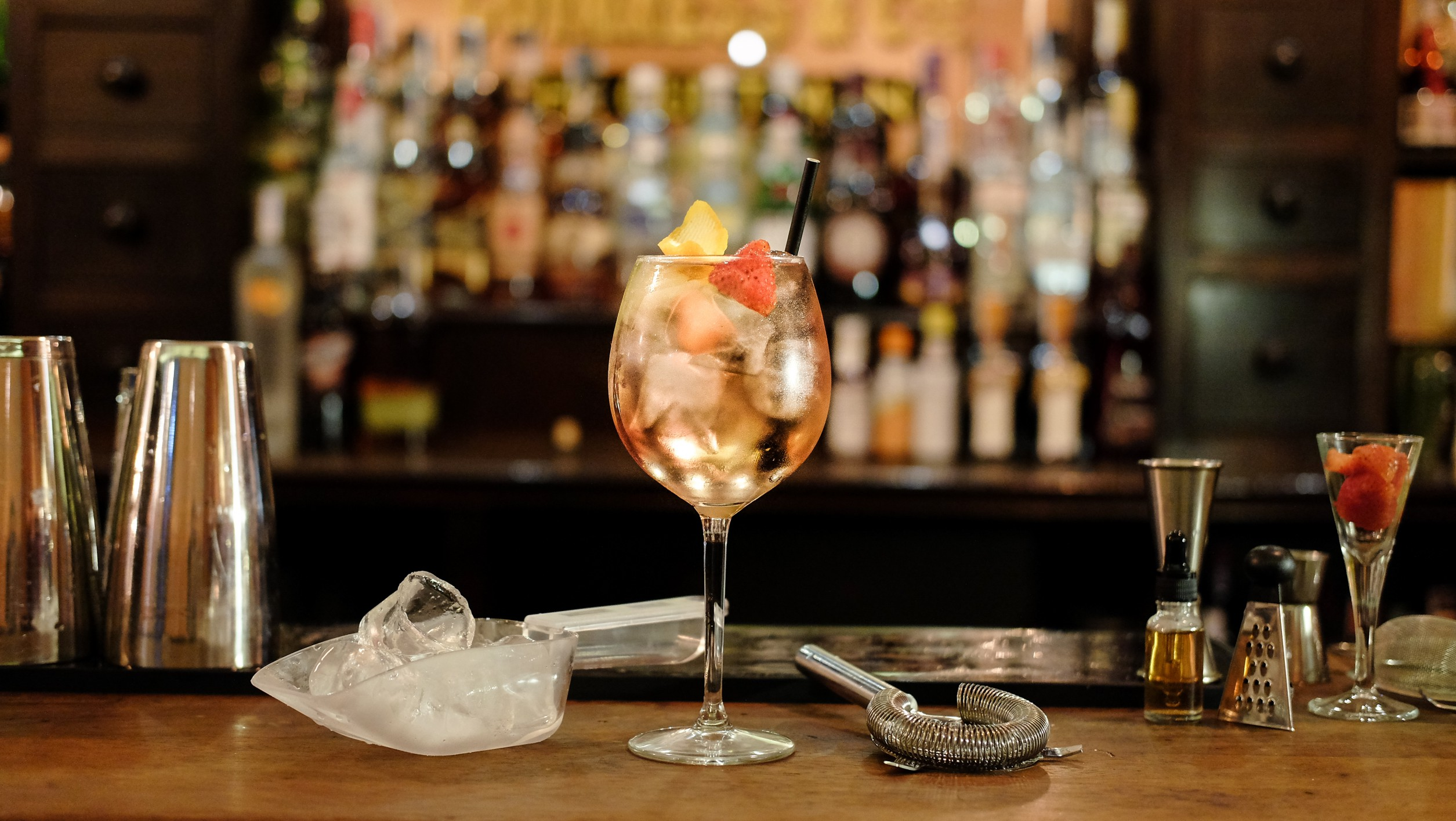 Cocktail Bars – Enjoy Your Weekend Now!