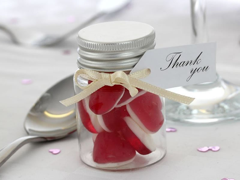 How To Choose The Best Wedding Favours