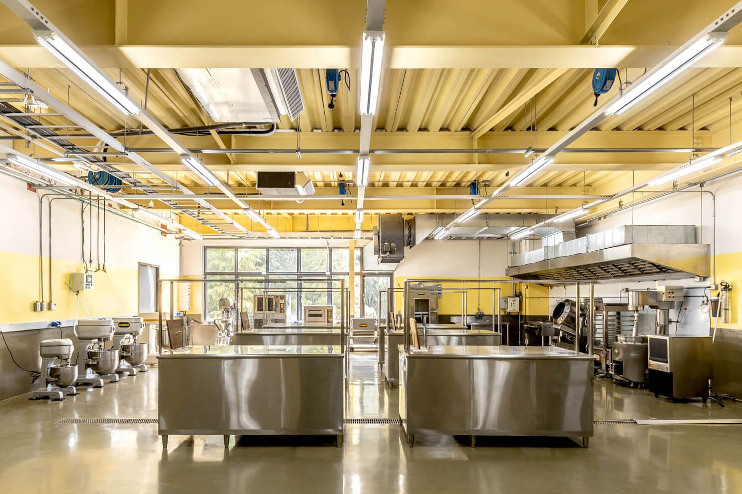 What is central kitchen and benefits of it?